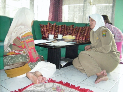 FieldVisit Gallery   Indepth Interview with Midwife Pakuwon Village